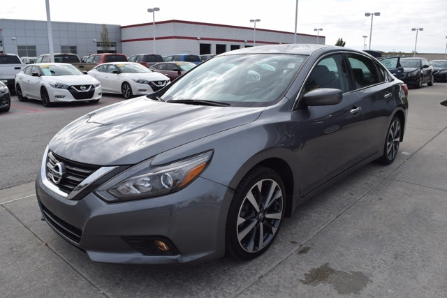 2016 nissan altima 25 sr for sale indianapolis in andy mohr pre owned 2016 nissan altima 25 sr fandeluxe Gallery